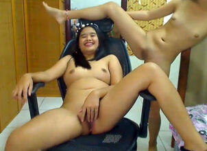 Asian pregnant nude